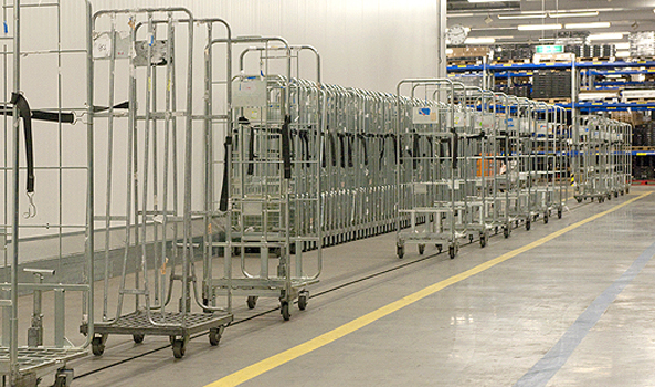 How Roll Containers Can Increase the Warehouse Comfort and Employee Satisfaction