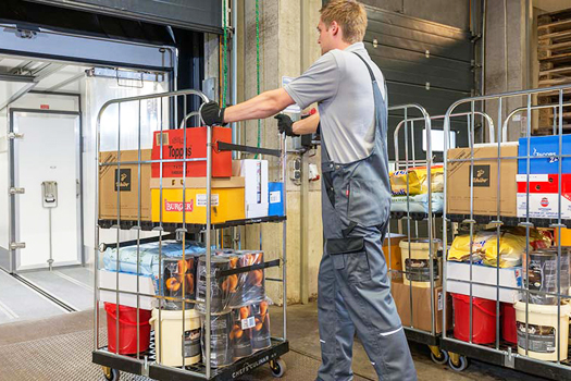 Different Applications of Warehouse Wire Containers
